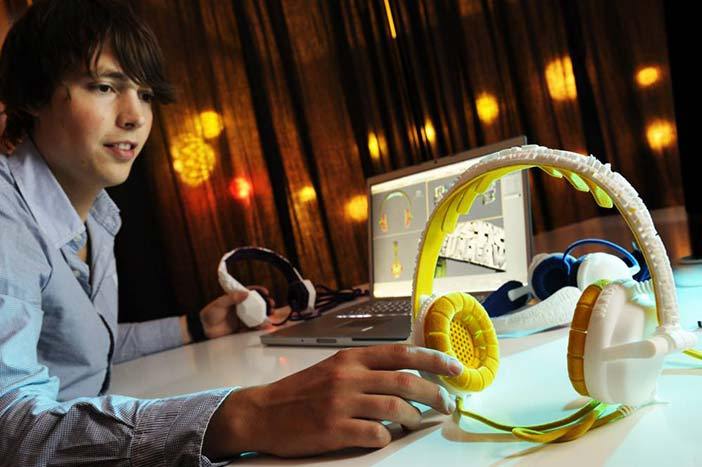 One example of the shift from mass production to mass customisation is a custom-made headphone made by Brian Garret (http://briangarret.com) for his Master graduation project (coached by Joep Frens, T